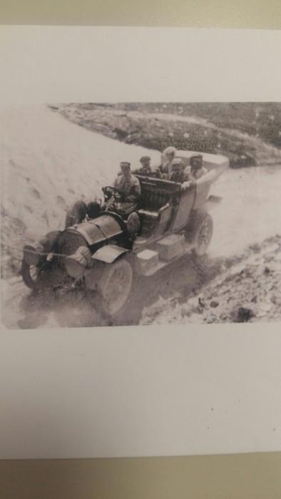 Una vettura dei primi del secolo xx da identificare.